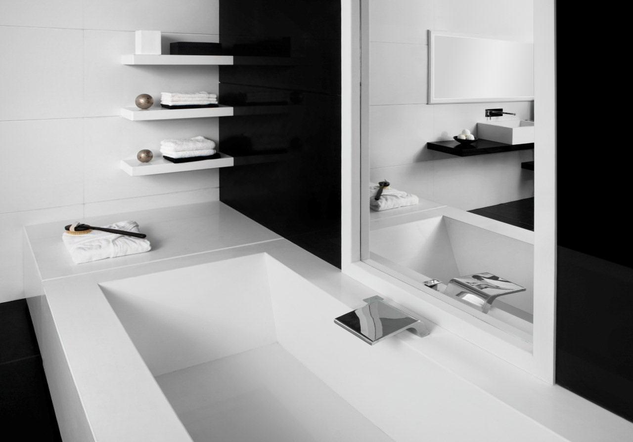 Ideas para un cuarto de baño en blanco y negro