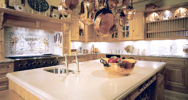 en las zonas de cocina ms pequeas una isla tiene el potencial de hacer que una cocina angosta parezca llena y atestada usando colores claros en los